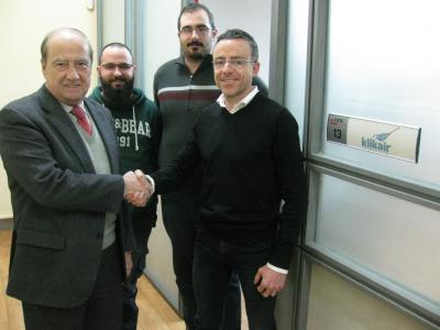 El equipo de Klikair con el director general de CEEI Alcoi-Valencia