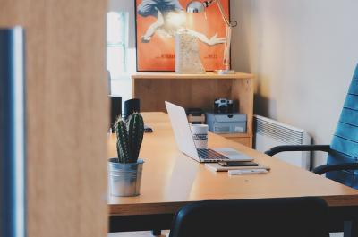 Convierte un rincón de tu casa en el espacio de trabajo perfecto.