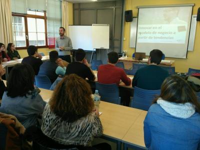 87 alumnos de centros formativos participan en los talleres del CEEI
