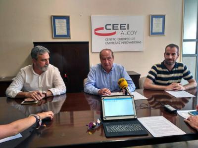Jesús Casanova presenta junto a Jordi Tormo y Juan Simó los resultados del semestre