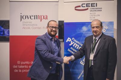 Quino Palací de Jovempa y Jesús Casanova director CEEI Valencian tras la firma del convenio