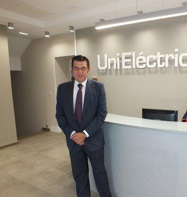 Juan Ariza, en la sede de UniEléctrica